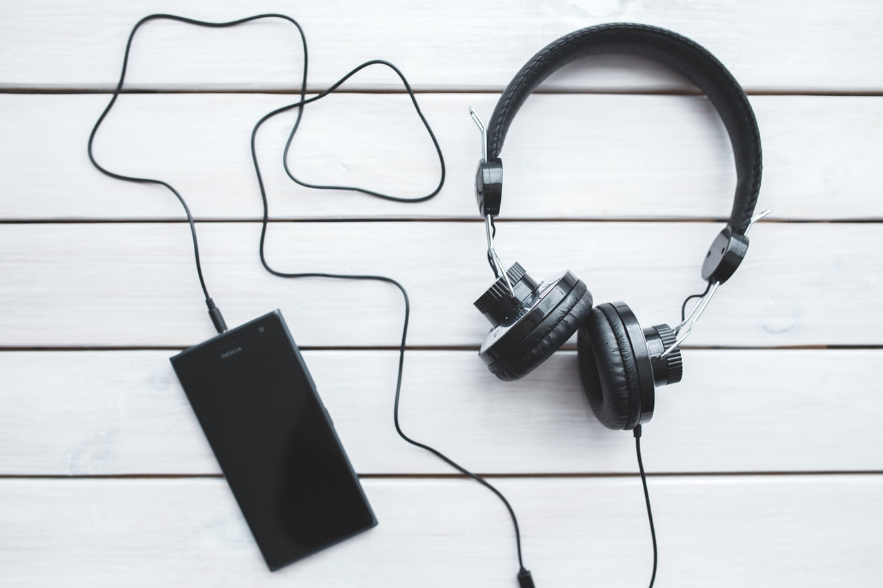 How to turn your novel into an audiobook move aside paper books pardon me ebooks the next big thing in book sales is the audiobook although audiobooks have been around for some time now fandeluxe Gallery
