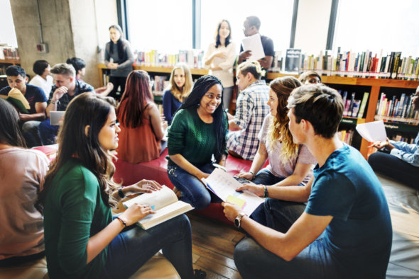 5 Pros and Cons of Local Writing Groups